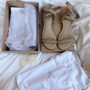 SALE✅Joie Fadi Flat Sandals